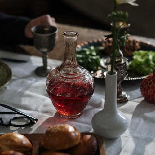 Red Flat & Minimalist Comfort Food Website